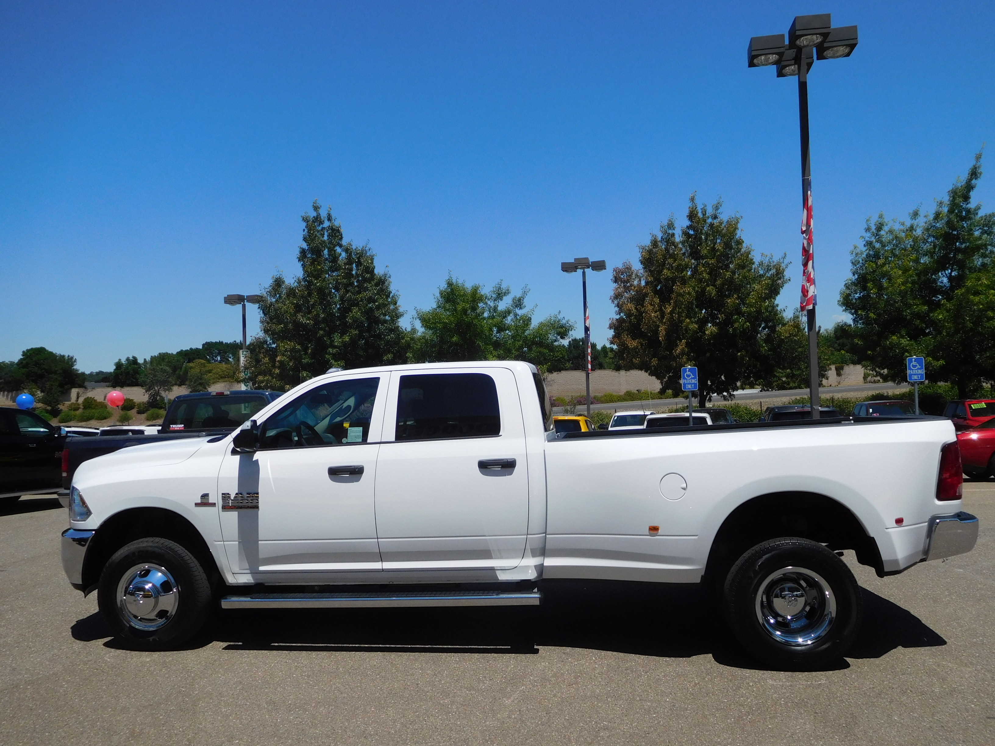 2017 Ram 3500 Crew Cab DRW 4x4 Pickup #14961 - photo 6