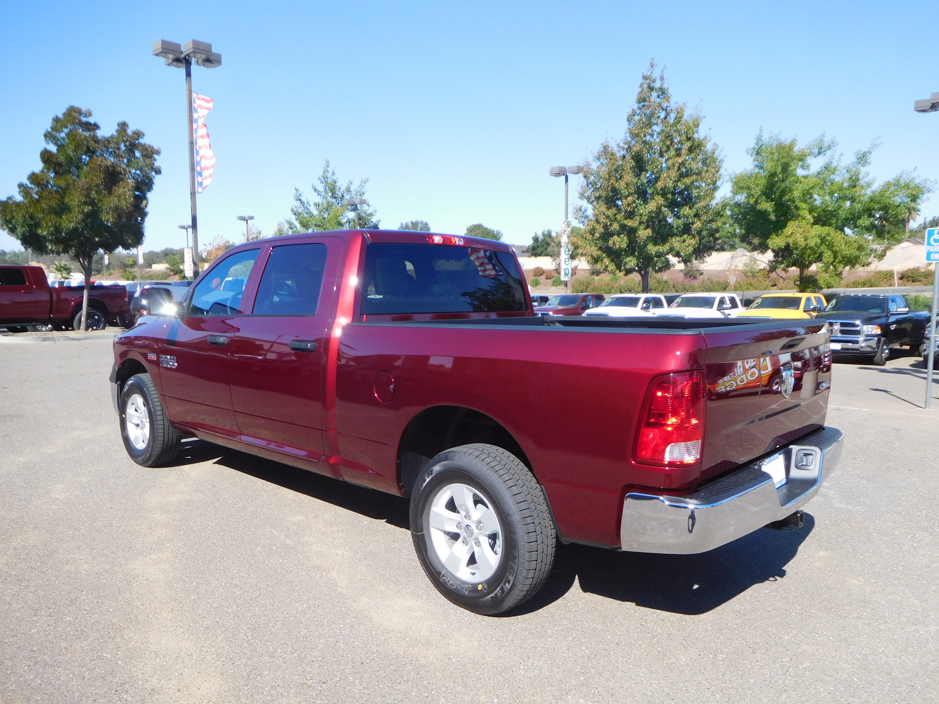 2018 Ram 1500 Crew Cab 4x4 Pickup #15320 - photo 7