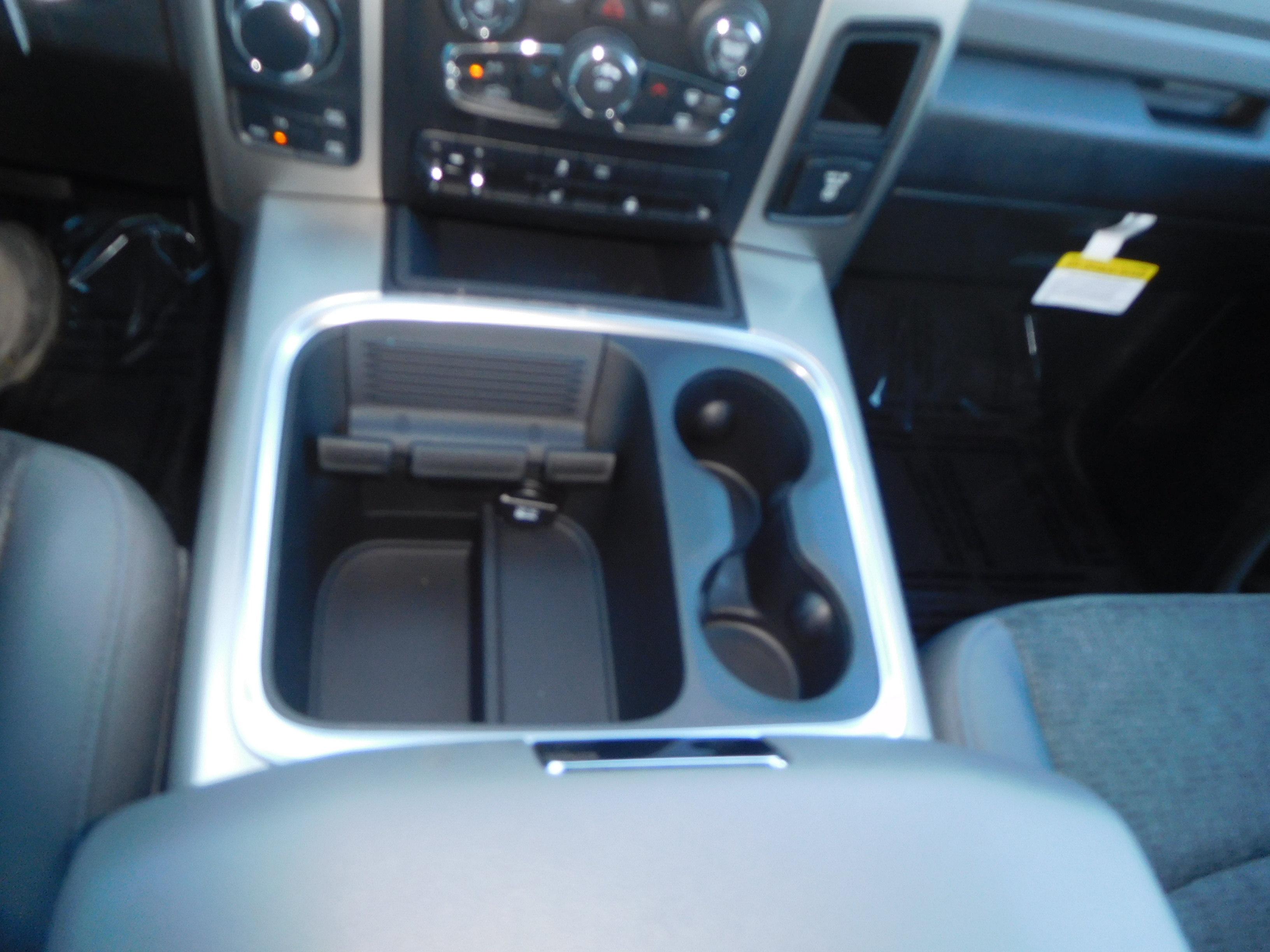 2018 Ram 1500 Crew Cab 4x4 Pickup #15352 - photo 10