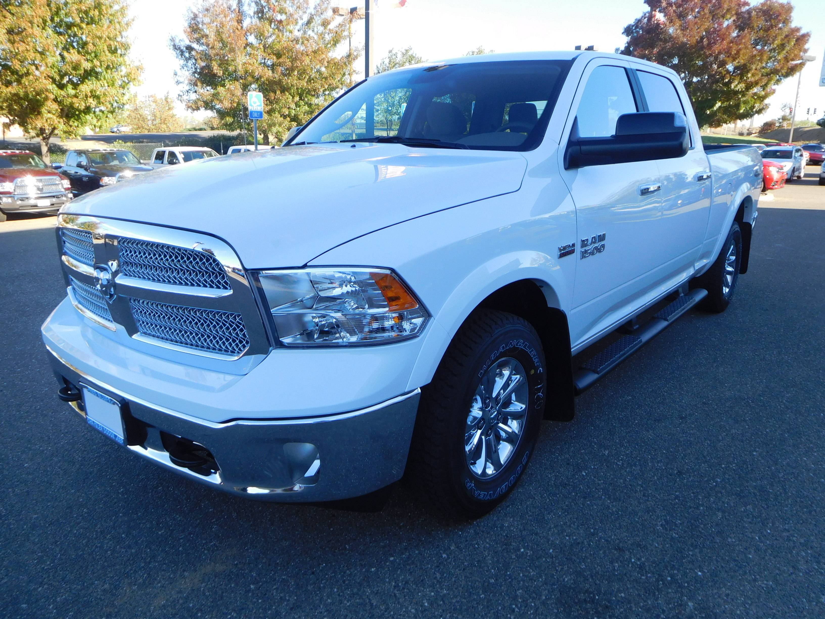 2018 Ram 1500 Crew Cab 4x4 Pickup #15352 - photo 4