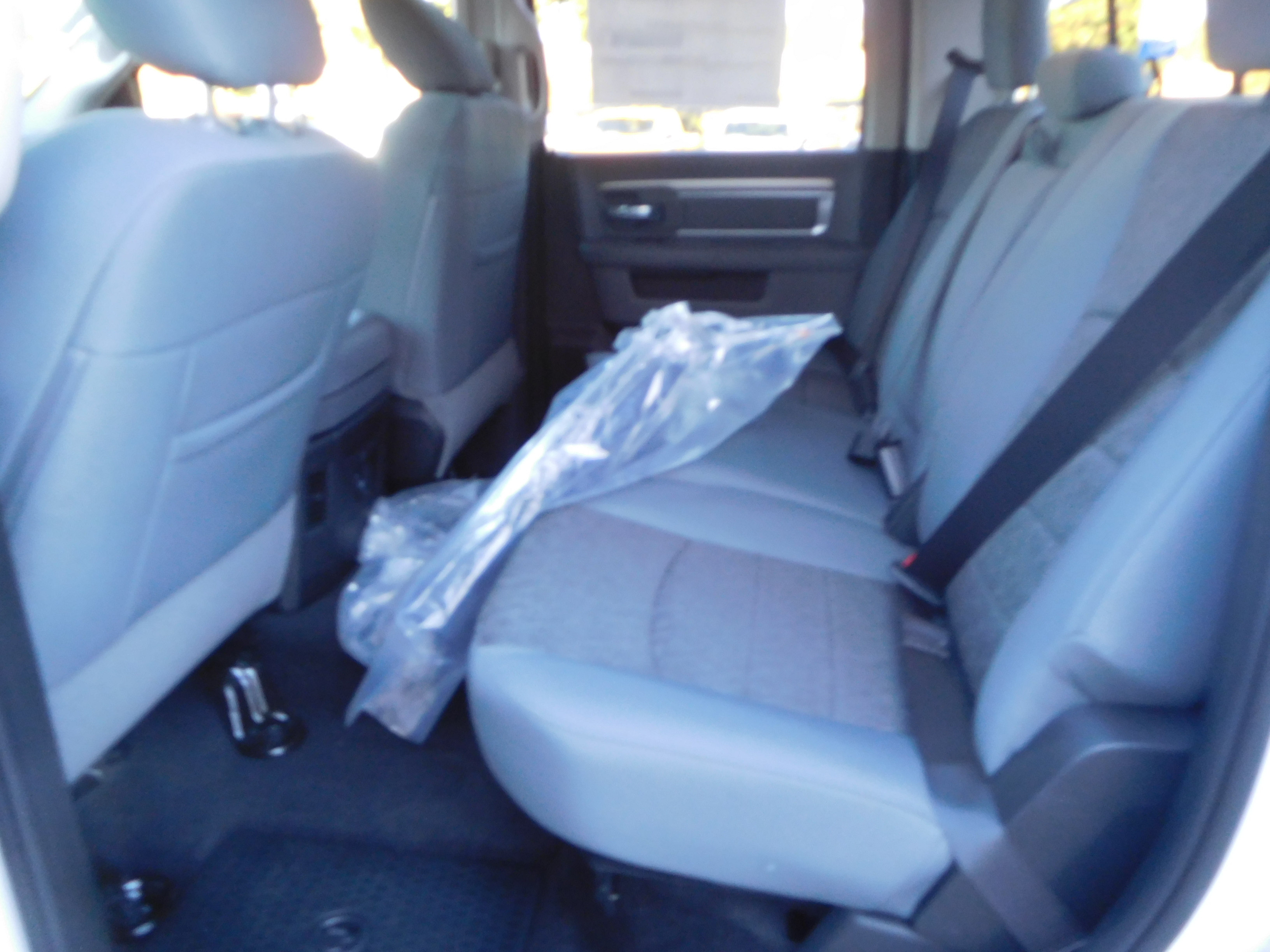 2018 Ram 1500 Crew Cab 4x4 Pickup #15352 - photo 7