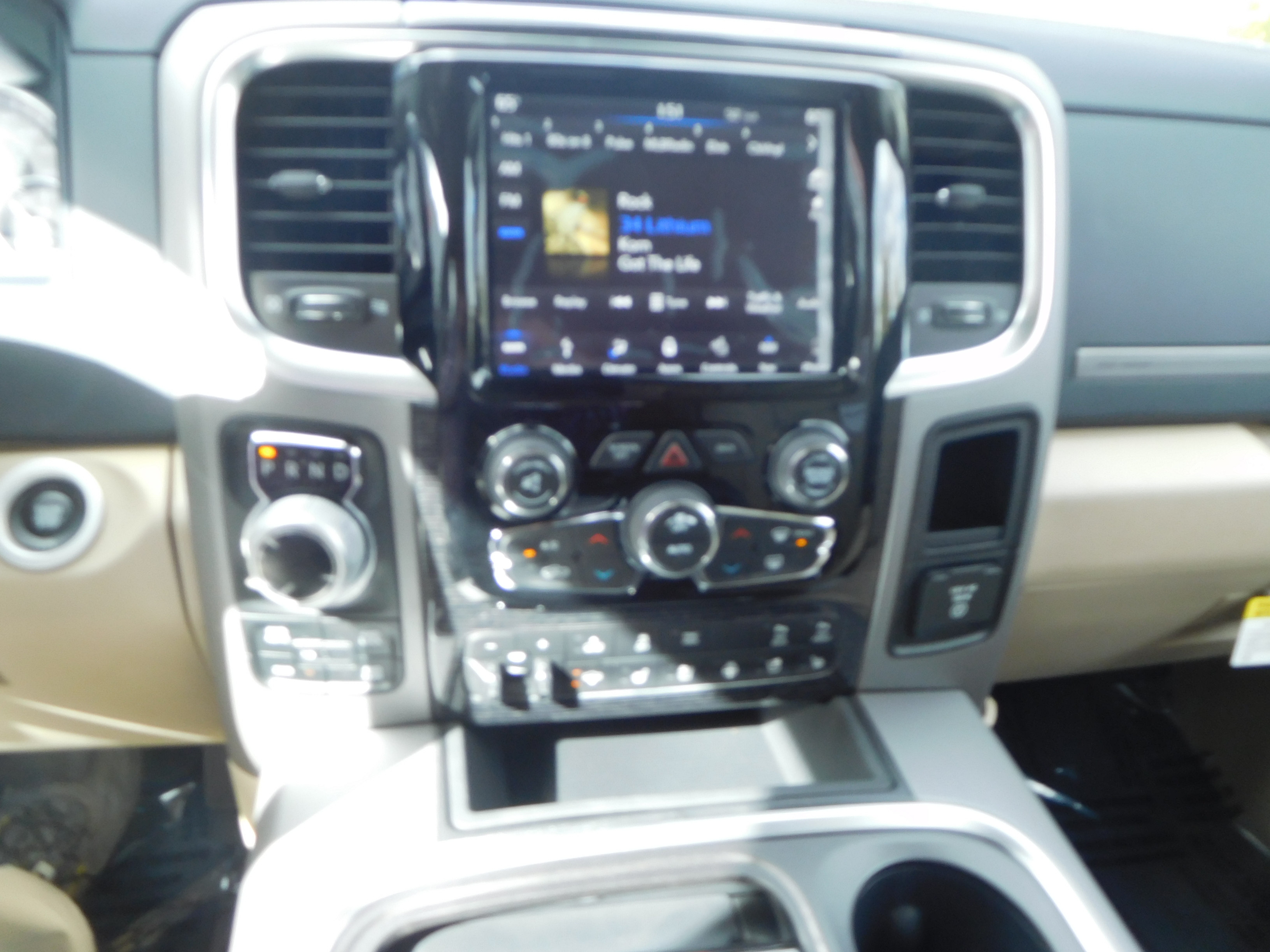 2018 Ram 1500 Crew Cab 4x4, Pickup #15386 - photo 13