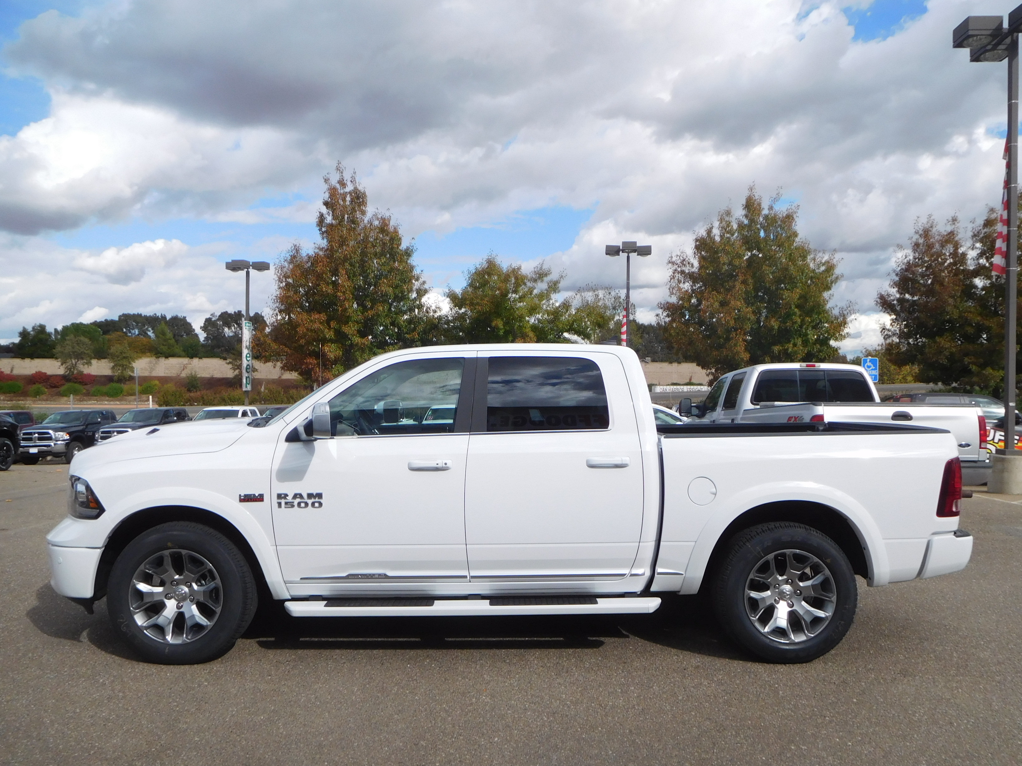 2018 Ram 1500 Crew Cab 4x4, Pickup #15386 - photo 6