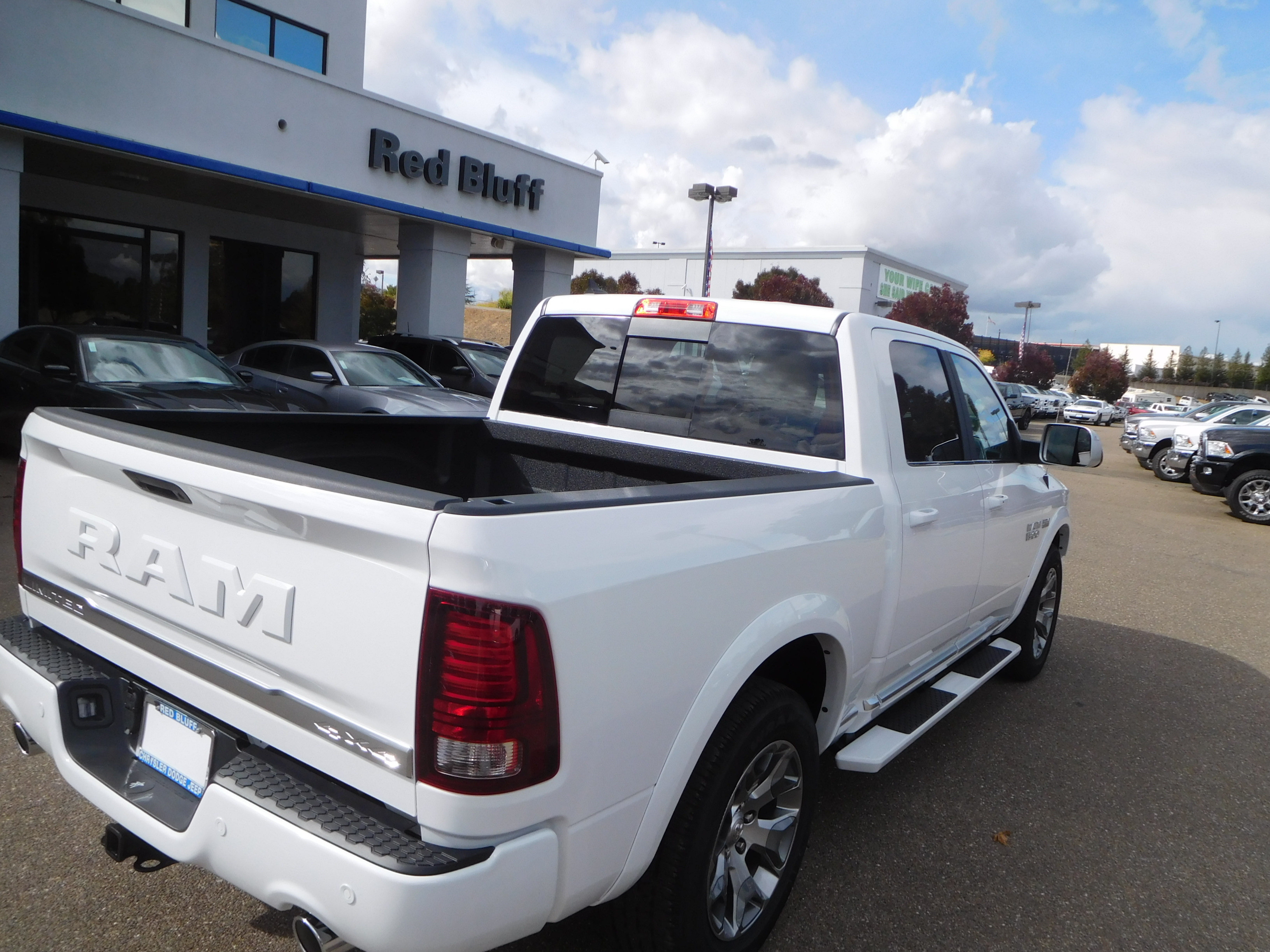 2018 Ram 1500 Crew Cab 4x4, Pickup #15386 - photo 2