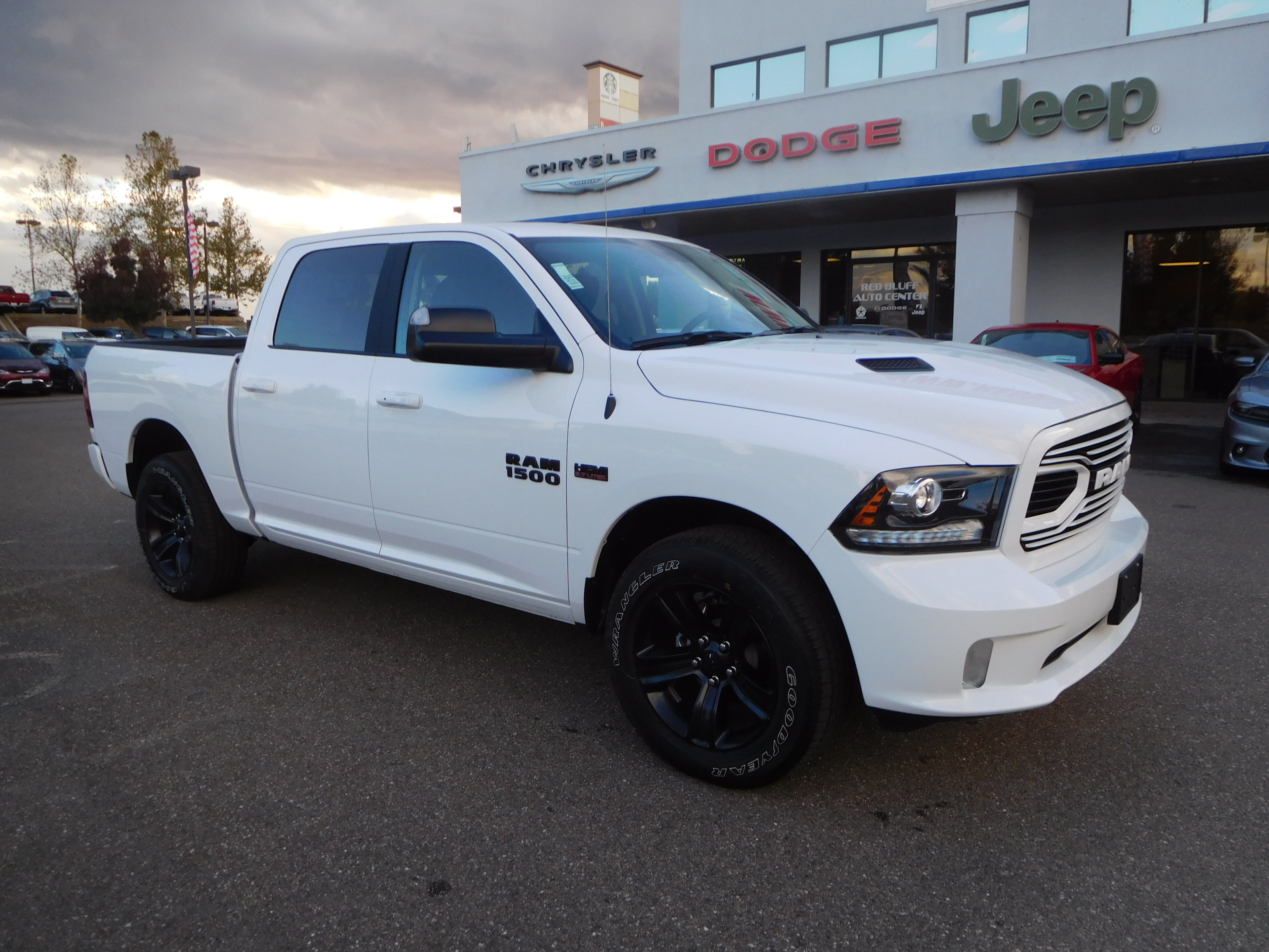 2018 Ram 1500 Crew Cab 4x4, Pickup #15419 - photo 1