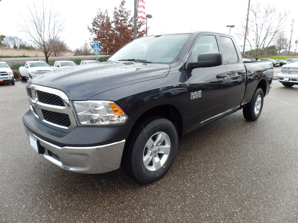 2018 Ram 1500 Quad Cab 4x4,  Pickup #15629 - photo 5