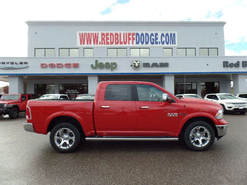 2017 Ram 1500 Crew Cab 4x4, Pickup #15760 - photo 3