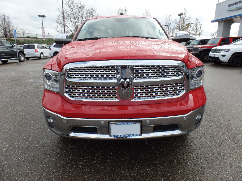 2017 Ram 1500 Crew Cab 4x4, Pickup #15760 - photo 4