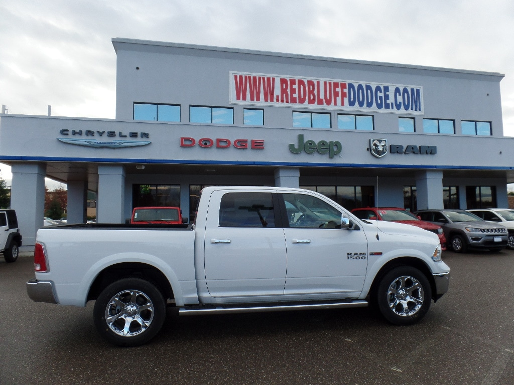 2017 Ram 1500 Crew Cab 4x4, Pickup #15772 - photo 3