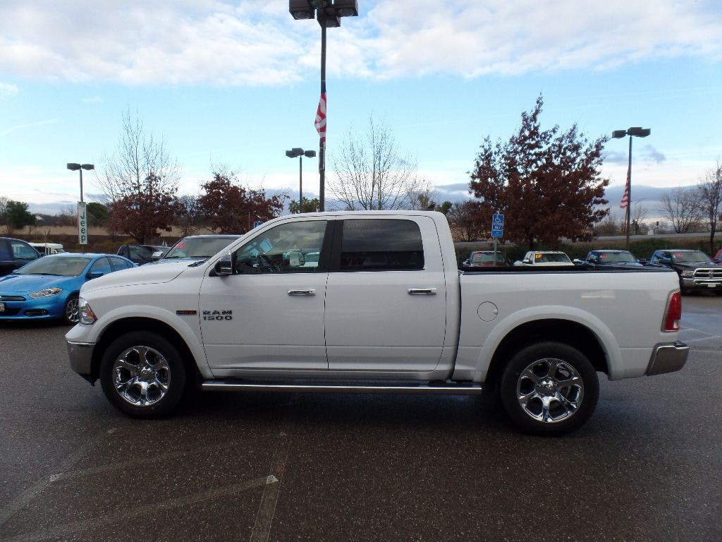 2017 Ram 1500 Crew Cab 4x4, Pickup #15772 - photo 6
