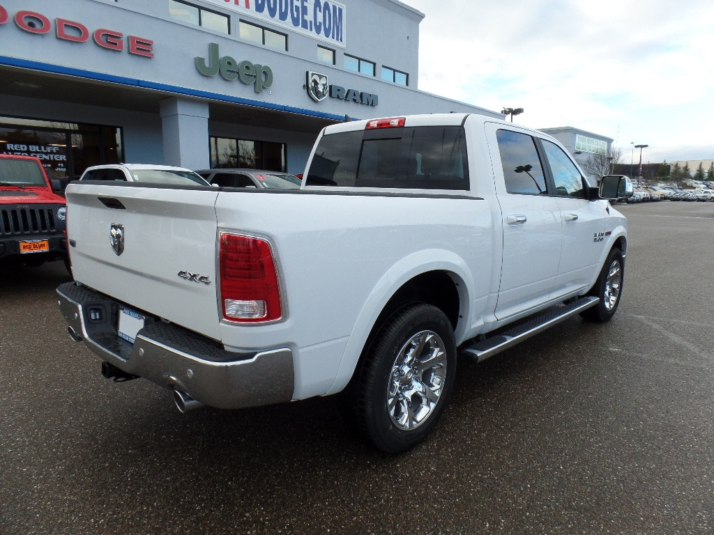 2017 Ram 1500 Crew Cab 4x4, Pickup #15772 - photo 2