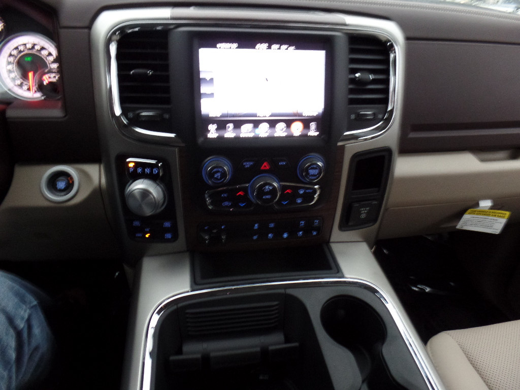 2017 Ram 1500 Crew Cab 4x4, Pickup #15776 - photo 13