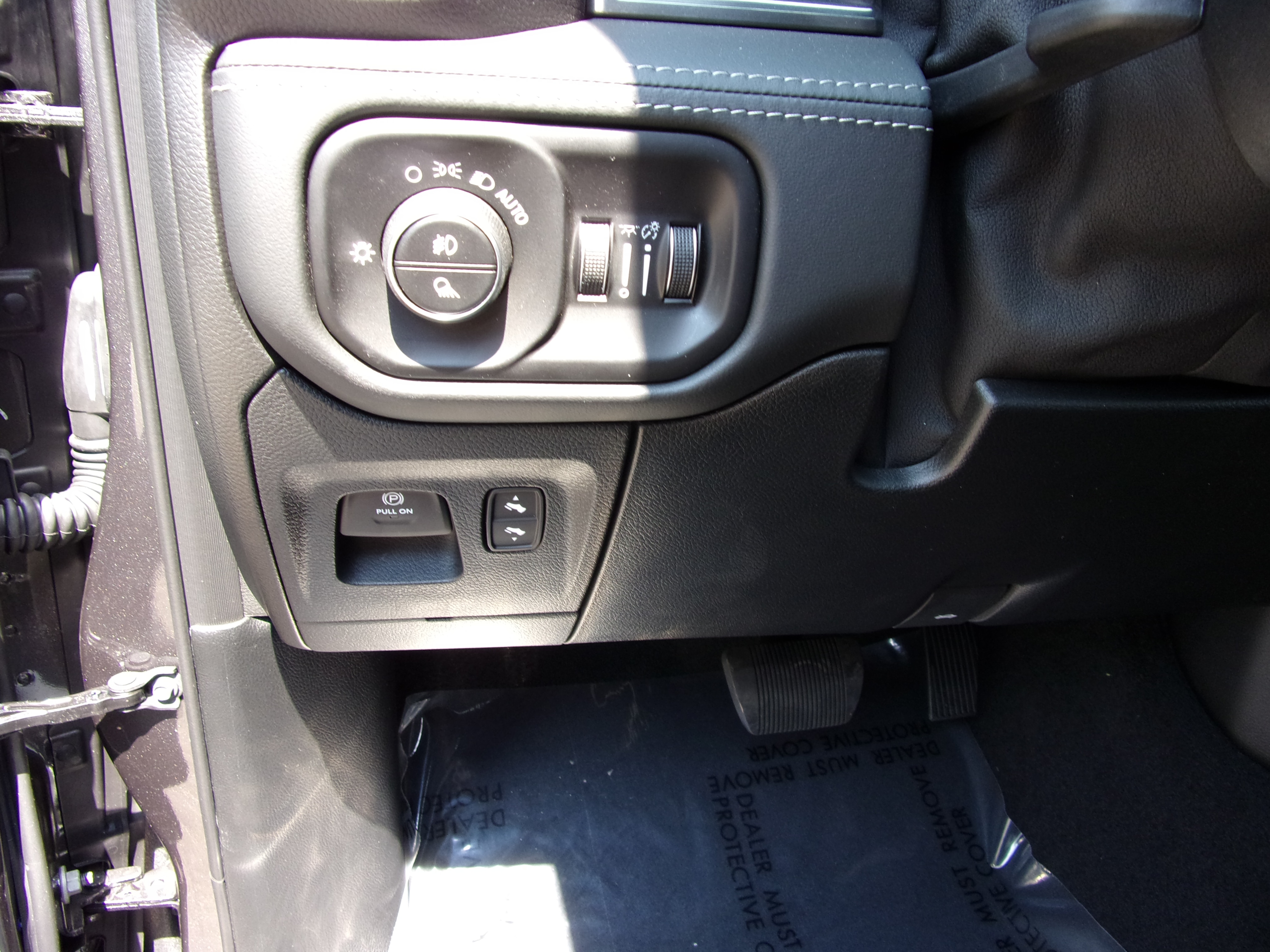 2019 Ram 1500 Crew Cab 4x4,  Pickup #16415 - photo 16