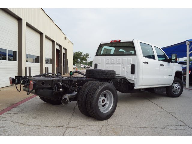2018 Sierra 3500 Crew Cab DRW 4x4,  Cab Chassis #283251 - photo 2