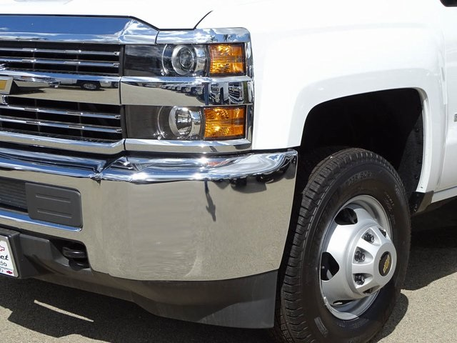 2017 Silverado 3500 Regular Cab DRW 4x2,  Knapheide Service Body #172427 - photo 8