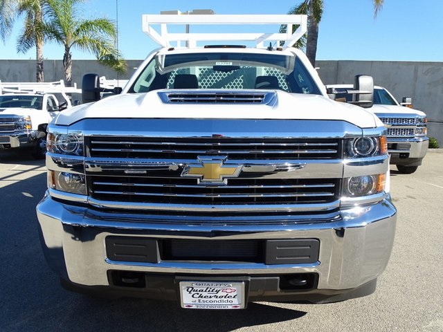 2018 Silverado 3500 Regular Cab DRW 4x2,  Royal Contractor Body #182297 - photo 3