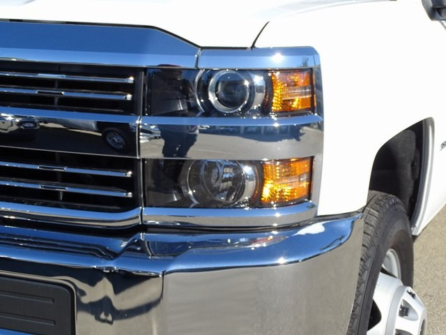 2018 Silverado 3500 Regular Cab DRW 4x2,  Royal Contractor Body #182297 - photo 4