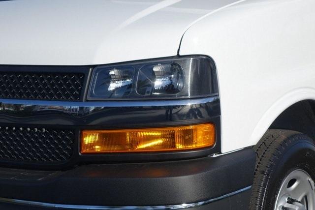 2019 Express 3500 4x2,  Supreme Cutaway Van #190872 - photo 4