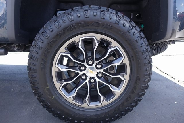 2019 Colorado Extended Cab 4x4,  Pickup #191219 - photo 7