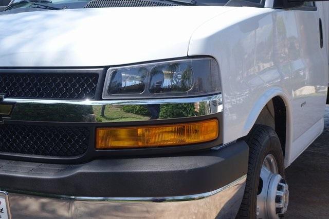 2019 Express 3500 4x2,  Morgan Parcel Aluminum Cutaway Van #191349 - photo 3