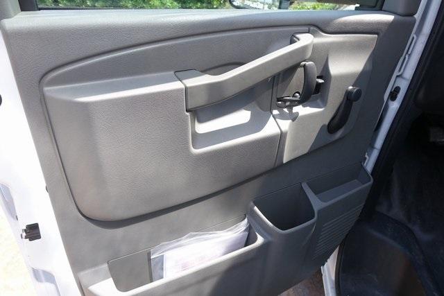 2019 Express 3500 4x2,  Morgan Parcel Aluminum Cutaway Van #191349 - photo 8