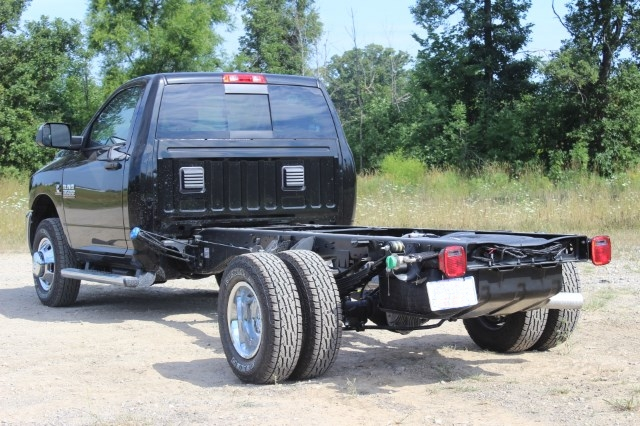 2016 Ram 3500 Regular Cab DRW 4x4,  Cab Chassis #G332914 - photo 2