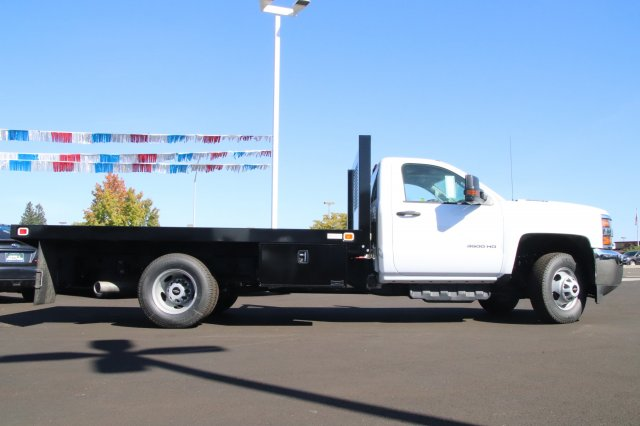 2018 Silverado 3500 Regular Cab DRW 4x2,  Knapheide Platform Body #00220183 - photo 5