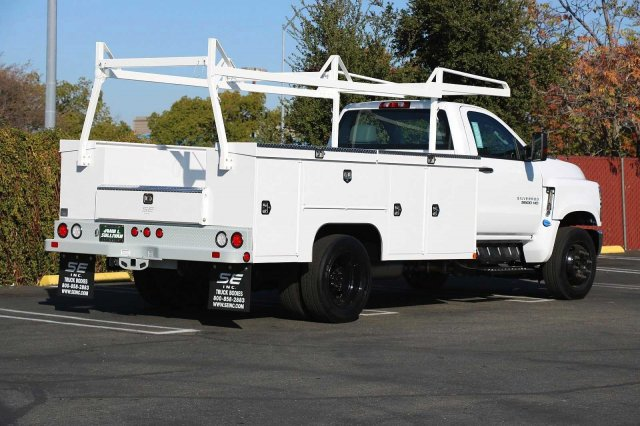 2019 Chevrolet Silverado 5500 Regular Cab DRW RWD, Scelzi Service Body #00230247 - photo 1