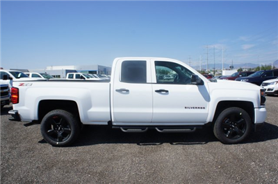 2018 Silverado 1500 Extended Cab 4x4 Pickup #T08053 - photo 4