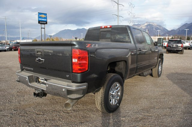 2018 Silverado 3500 Crew Cab 4x4 Pickup #T08142 - photo 2