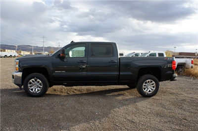 2018 Silverado 3500 Crew Cab 4x4 Pickup #T08142 - photo 10