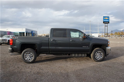 2018 Silverado 3500 Crew Cab 4x4 Pickup #T08142 - photo 4