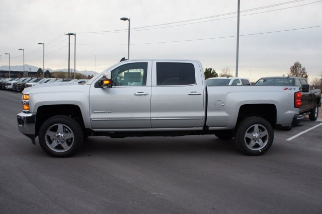 2018 Silverado 2500 Crew Cab 4x4 Pickup #T08202 - photo 10