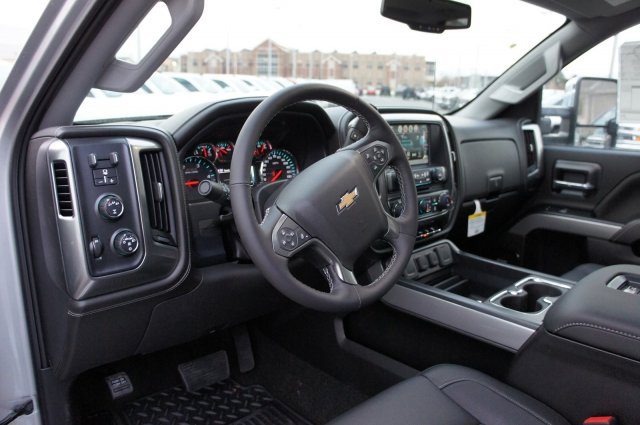2018 Silverado 2500 Crew Cab 4x4 Pickup #T08202 - photo 19