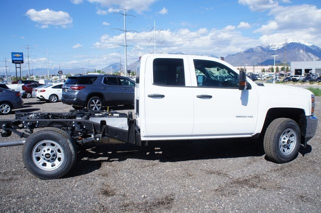 2018 Silverado 3500 Double Cab 4x4,  Cab Chassis #T08593 - photo 3