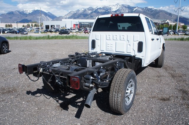 2018 Silverado 3500 Double Cab 4x4,  Cab Chassis #T08593 - photo 2