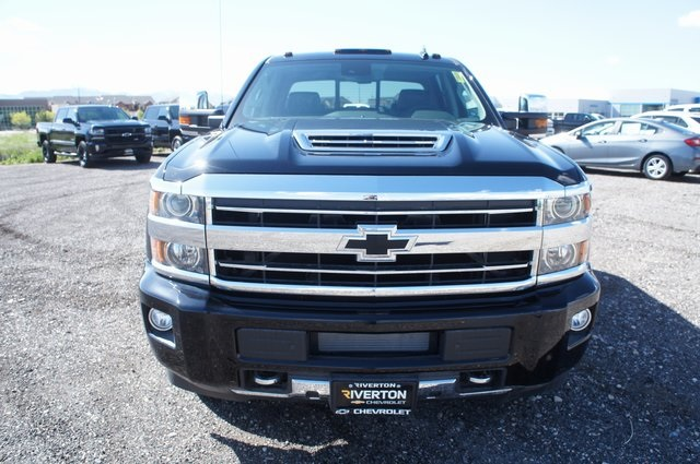 2018 Silverado 3500 Crew Cab 4x4,  Pickup #T08600 - photo 8