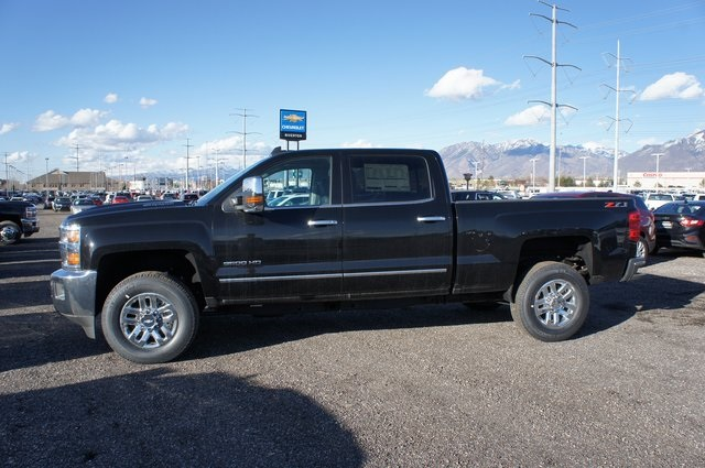 2018 Silverado 3500 Crew Cab 4x4,  Pickup #T08623 - photo 10