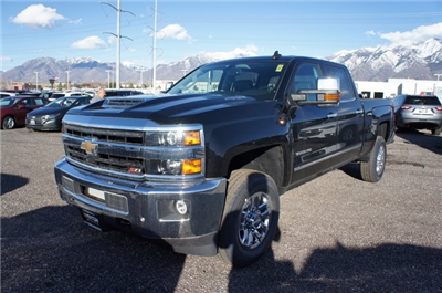 2018 Silverado 3500 Crew Cab 4x4,  Pickup #T08623 - photo 11