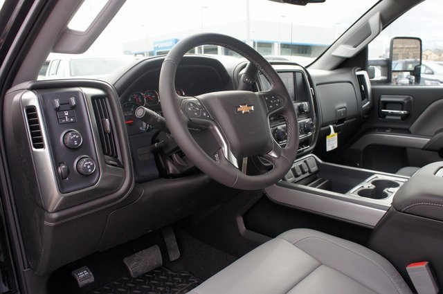 2018 Silverado 3500 Crew Cab 4x4,  Pickup #T08650 - photo 18
