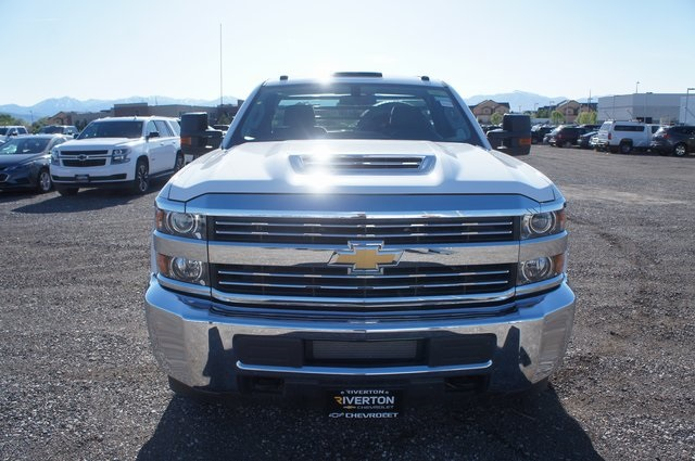 2018 Silverado 3500 Regular Cab DRW 4x4,  Freedom Rodeo Platform Body #T08674 - photo 8