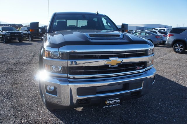 2018 Silverado 3500 Crew Cab 4x4,  Pickup #T08832 - photo 8