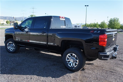 2018 Silverado 3500 Crew Cab 4x4,  Pickup #T08832 - photo 5