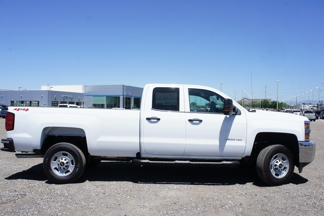 2018 Silverado 2500 Double Cab 4x4,  Cab Chassis #T08934 - photo 3