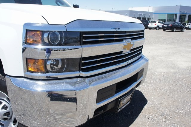 2018 Silverado 2500 Double Cab 4x4,  Cab Chassis #T08934 - photo 9