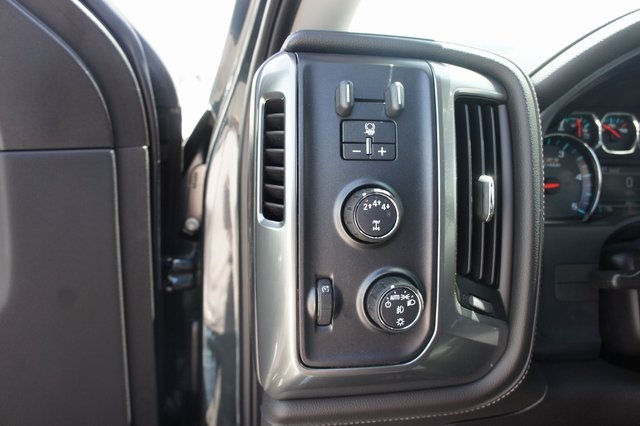 2018 Silverado 3500 Crew Cab 4x4,  Pickup #T08940 - photo 22