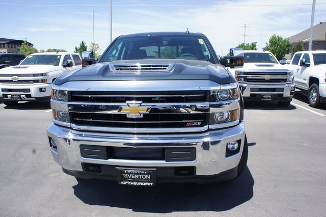 2018 Silverado 3500 Crew Cab 4x4,  Pickup #T08940 - photo 8