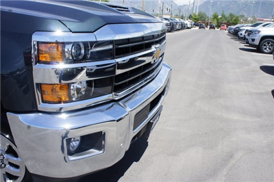 2018 Silverado 3500 Crew Cab 4x4,  Pickup #T08940 - photo 9