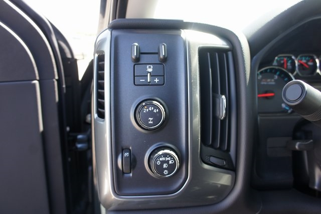 2018 Silverado 2500 Crew Cab 4x4,  Pickup #T08970 - photo 21