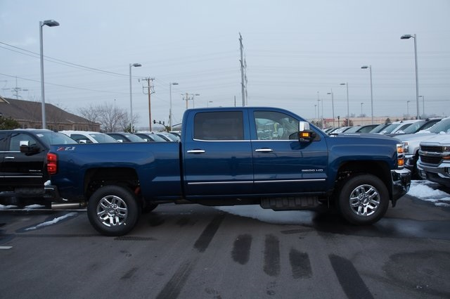 2019 Silverado 3500 Crew Cab 4x4,  Pickup #T09257 - photo 4